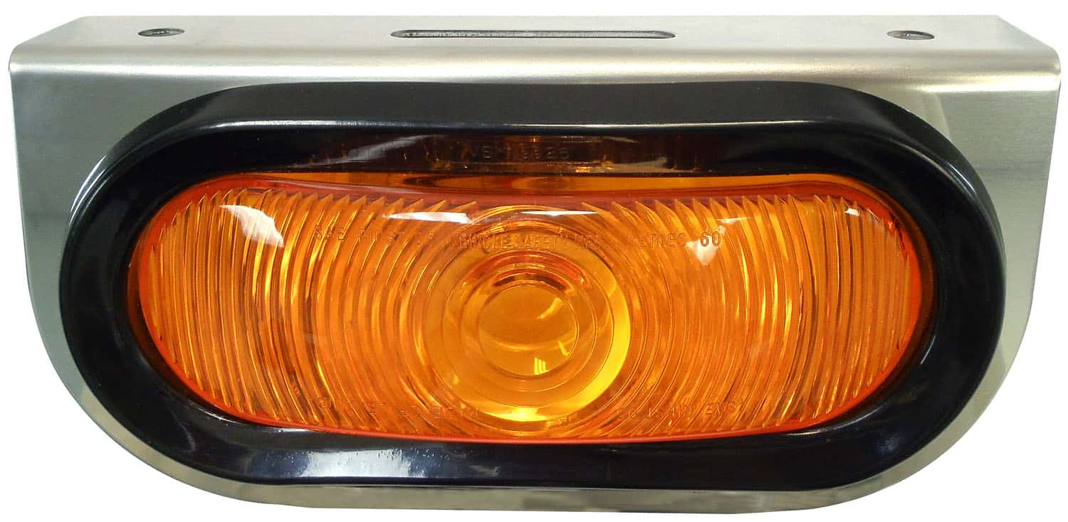 """04820402 - Stainless Steel Mount w/6.5"""" Oval Amber Light & Wiring Harness"""