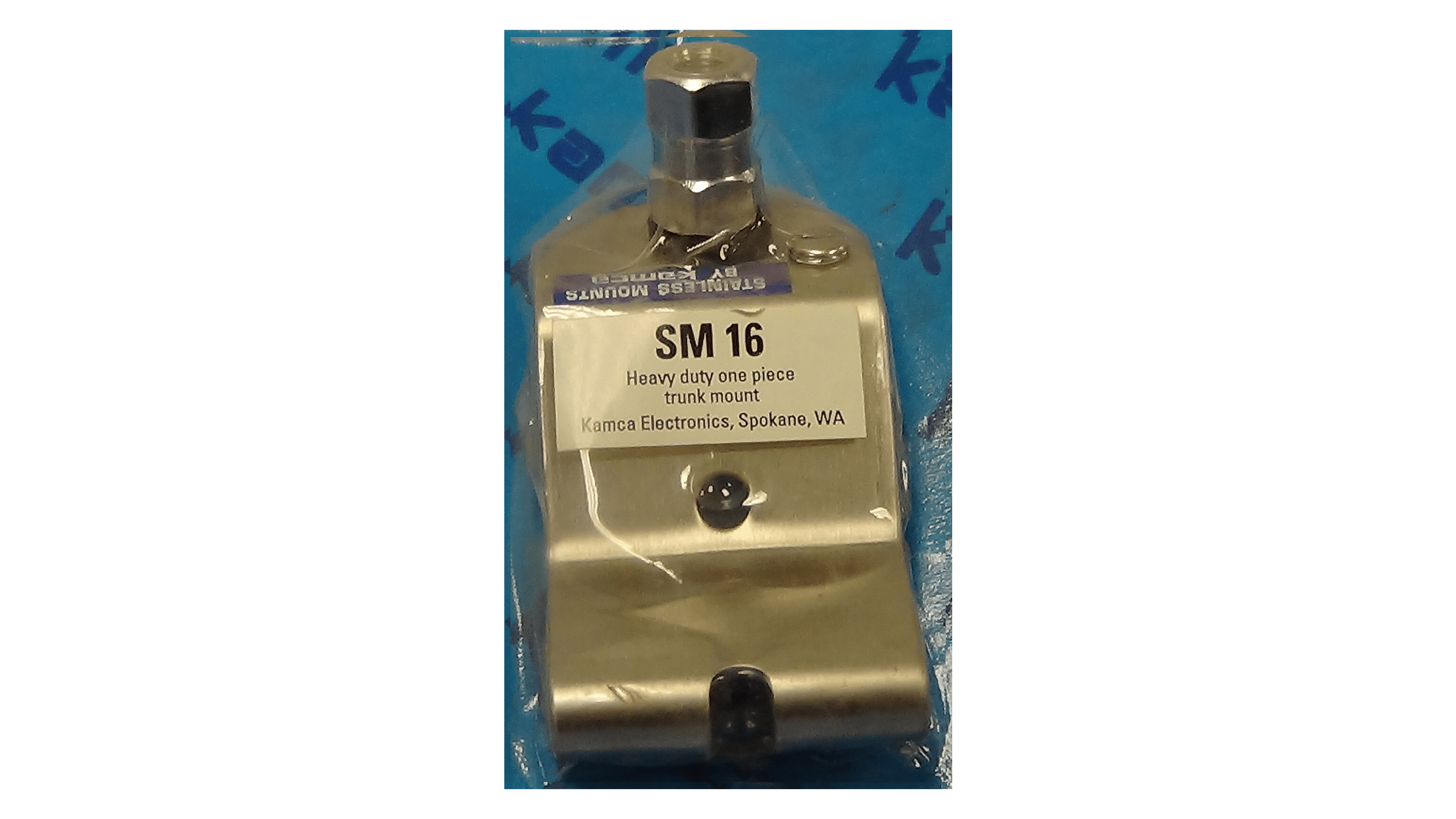 SM16 - One Piece Trunk Antenna Mount