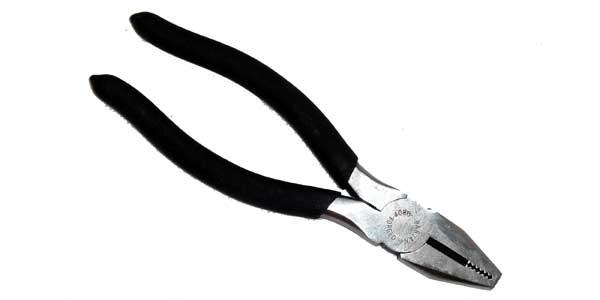 0752609 - Plier with Wire Stripper